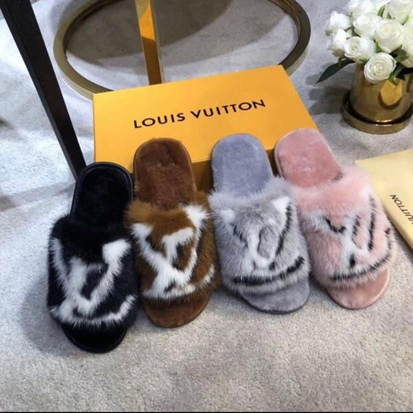 Louis vuitton slippers, Fur slippers