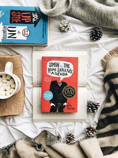 Simon vs the Homo Sapiens Agenda by Becky Albertalli * * * #books #bookstagram #lovesimon #booklover #booklayflat #bookreview #bookphotography #beckyalbertalli #bookaddict