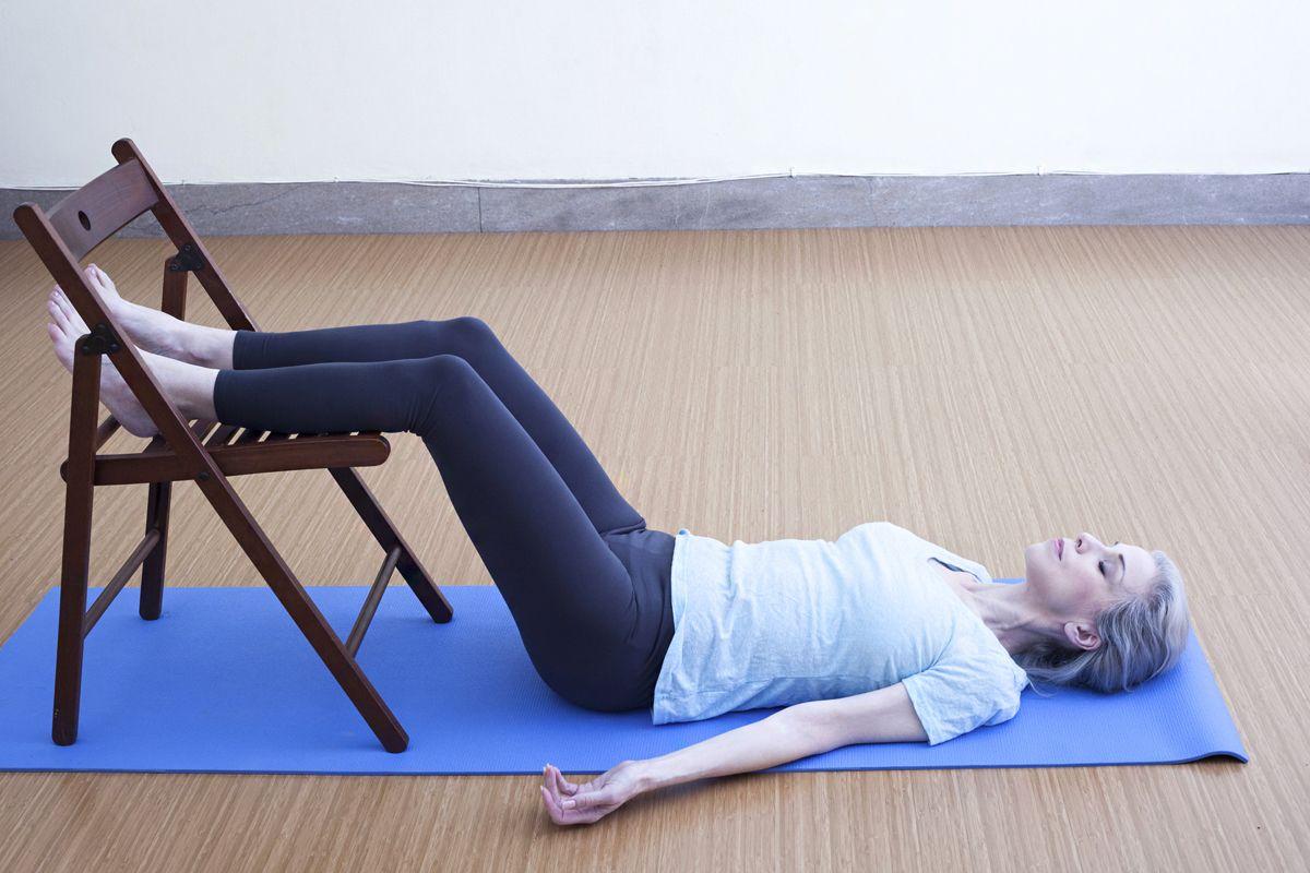 jóga gyakorlatok székkel