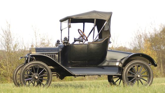 1915 Ford Model T Runabout Auburn Spring In 2020 Ford Models