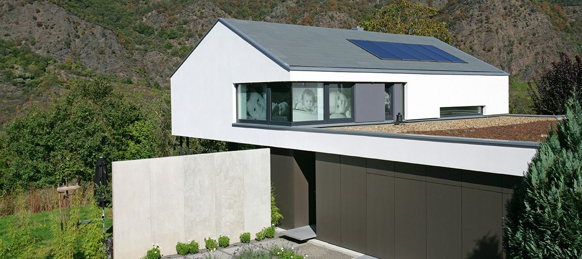 Best Modern Residence With A Slate Roof Slate Roof 400 x 300
