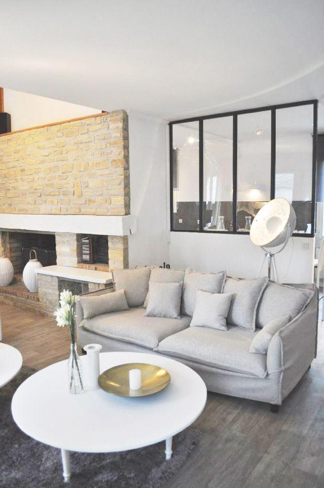 Salon moderne, verrière, salon gris, cheminée Déco Pinterest