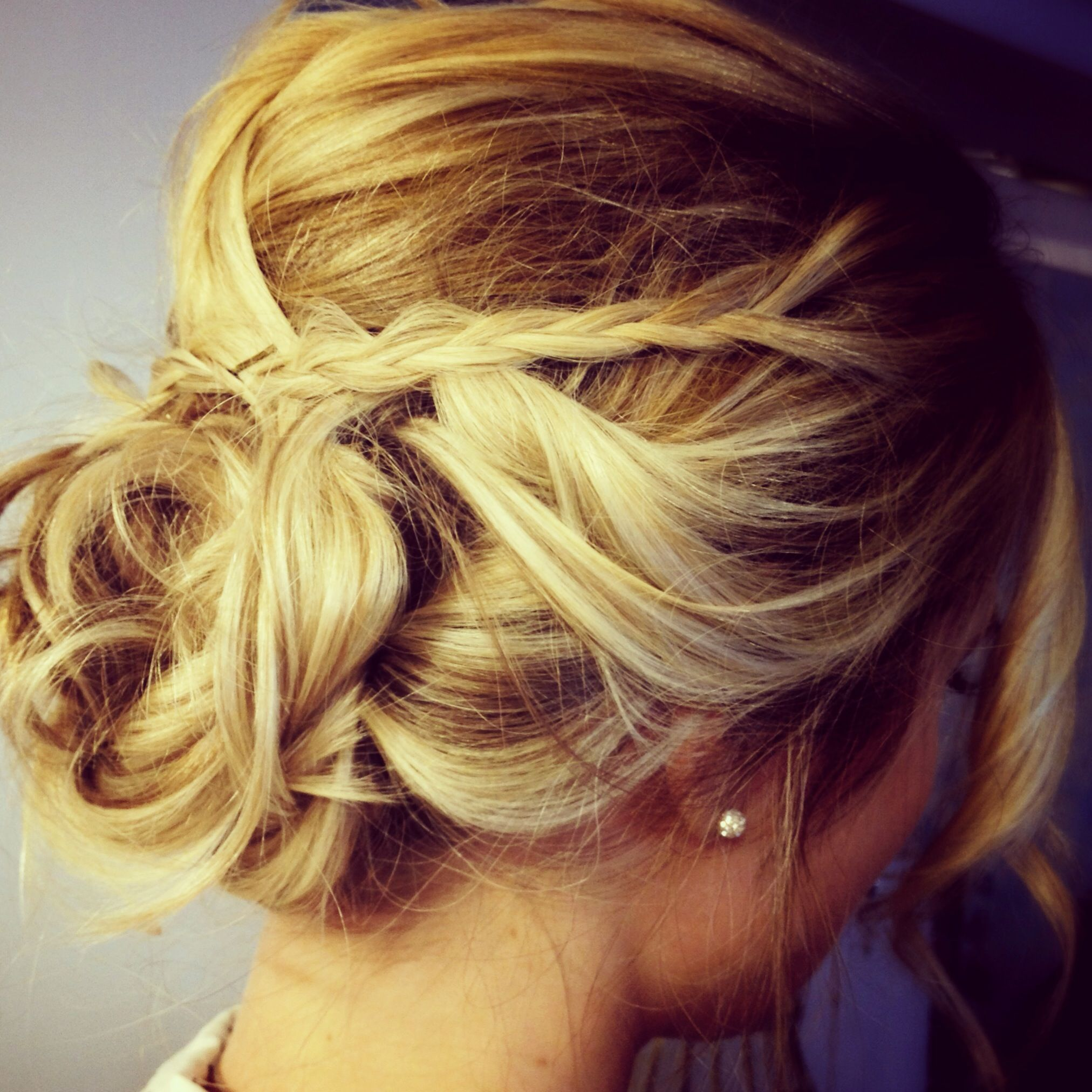 wedding bridal updo #updo #blonde