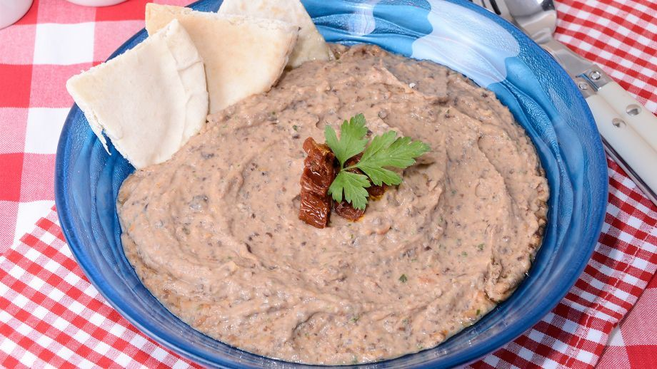 Hummus de frijoles negros - Receta - Canal Cocina