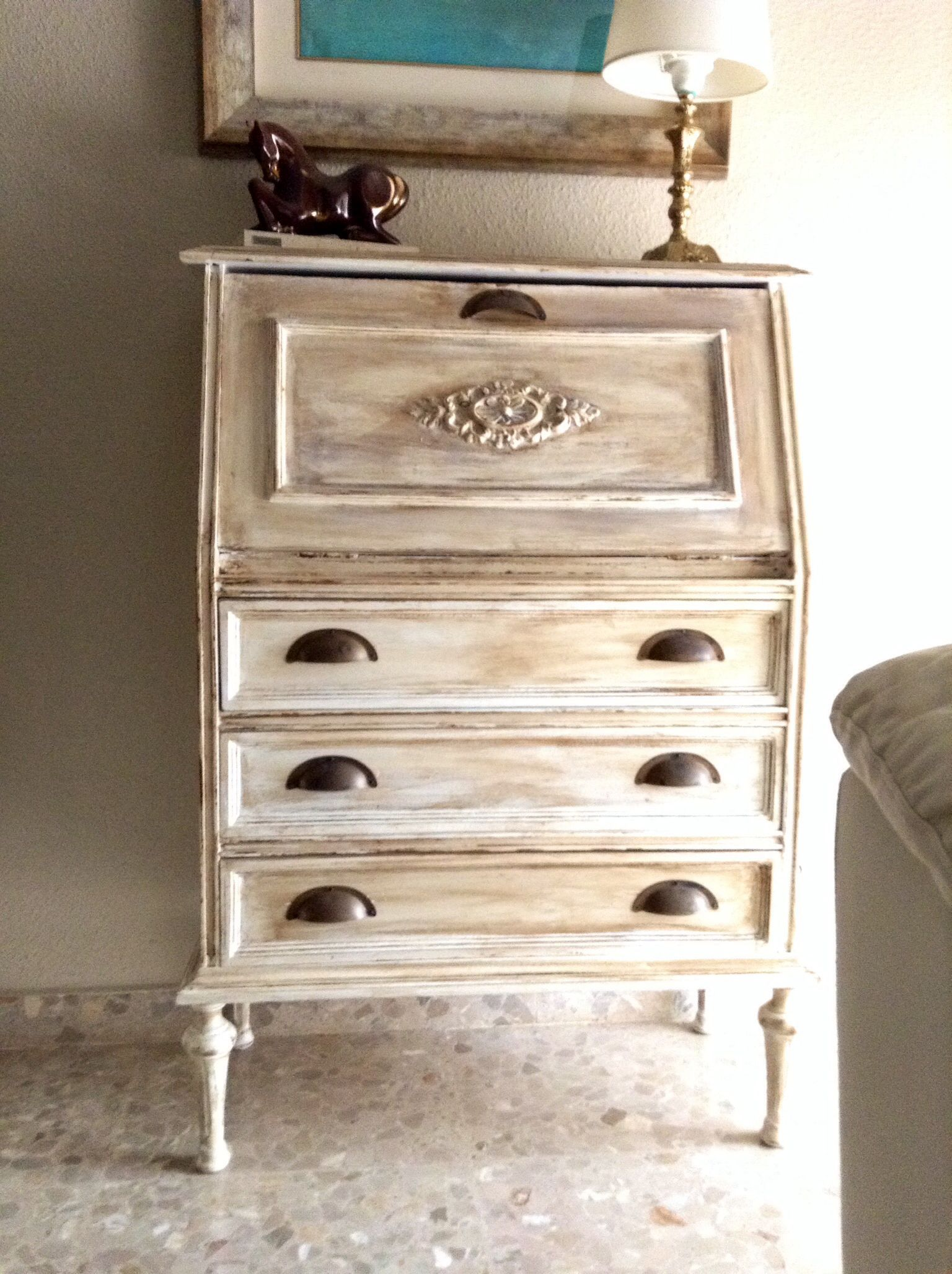 Aqu ten is un viejo escritorio el cual decid restaurar - Restaurar muebles vintage ...