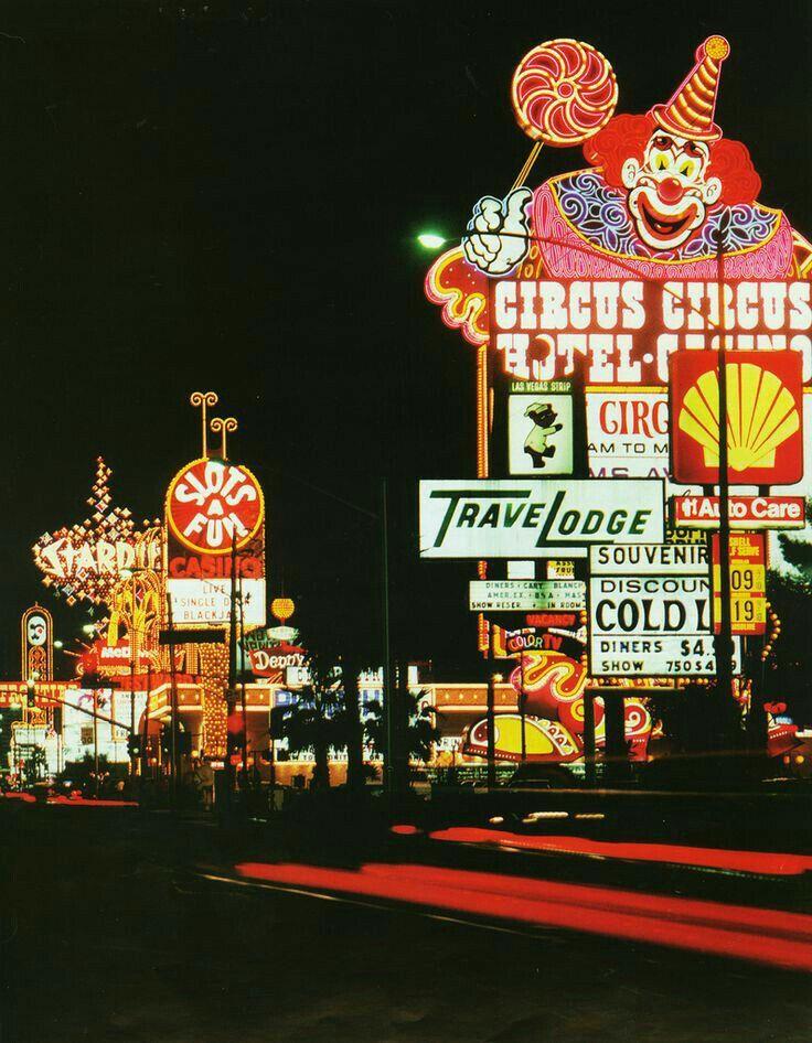 Flamingo Hilton closed Las Vegas Hotel Vintage Casino postcard City Lites 1984 e
