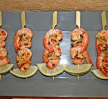 Recette - Brochettes de crevettes et de saumon marinées - Proposée par 750 grammes