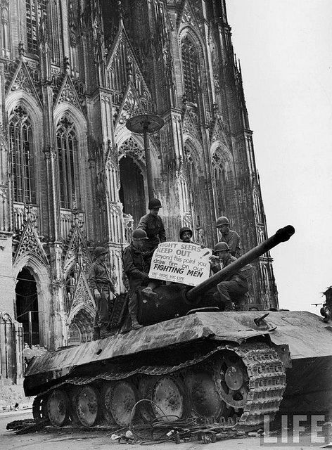 The famous battle at cologne cathedral what were the for Koln ww2