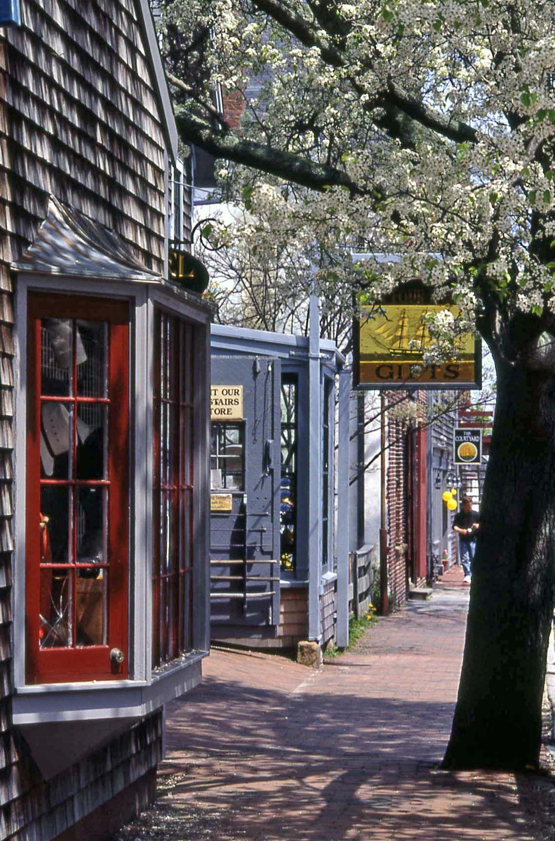 Downtown Classic Coastal Home: Nantucket, Cape Cod MA. Http://www.visitingnewengland.com