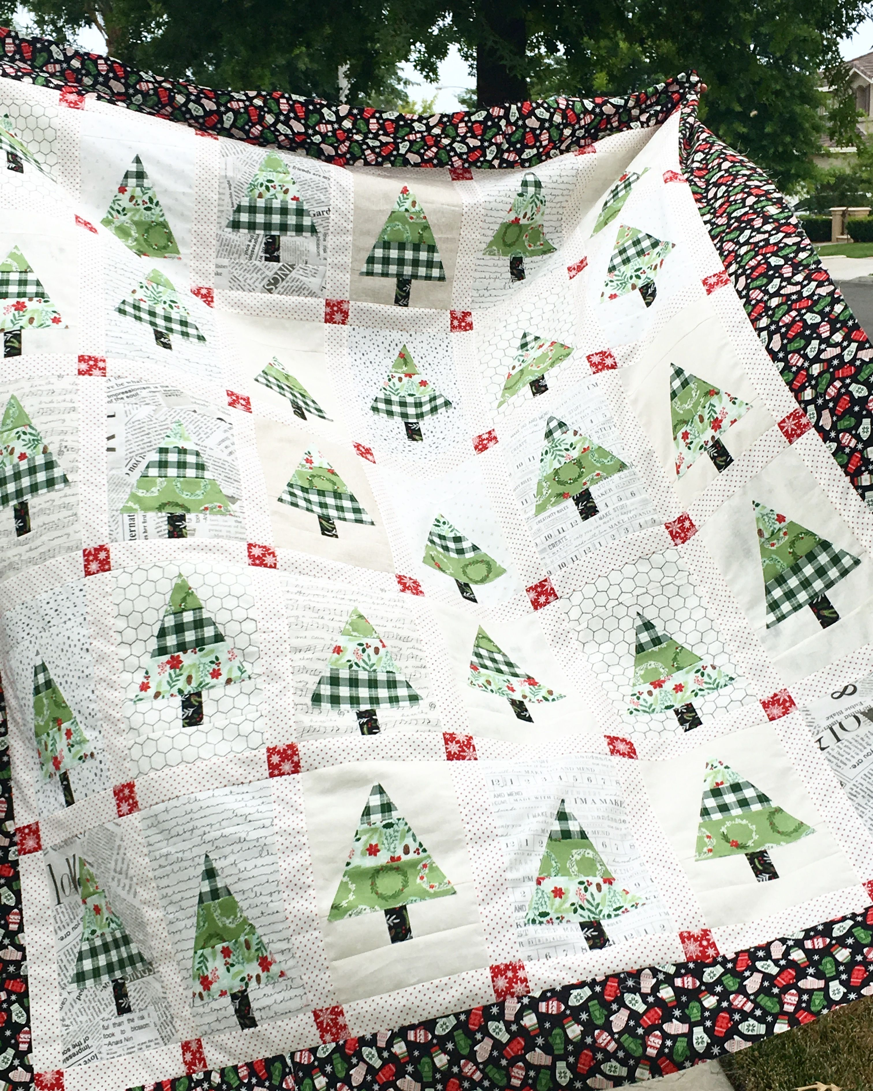 It\'s Christmas in July! I love making a Christmas quilt in the ...