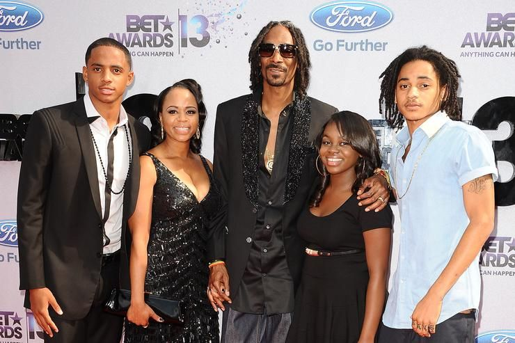 Snoop Dogg Lifestyle Wiki Net Worth Income Salary House Cars