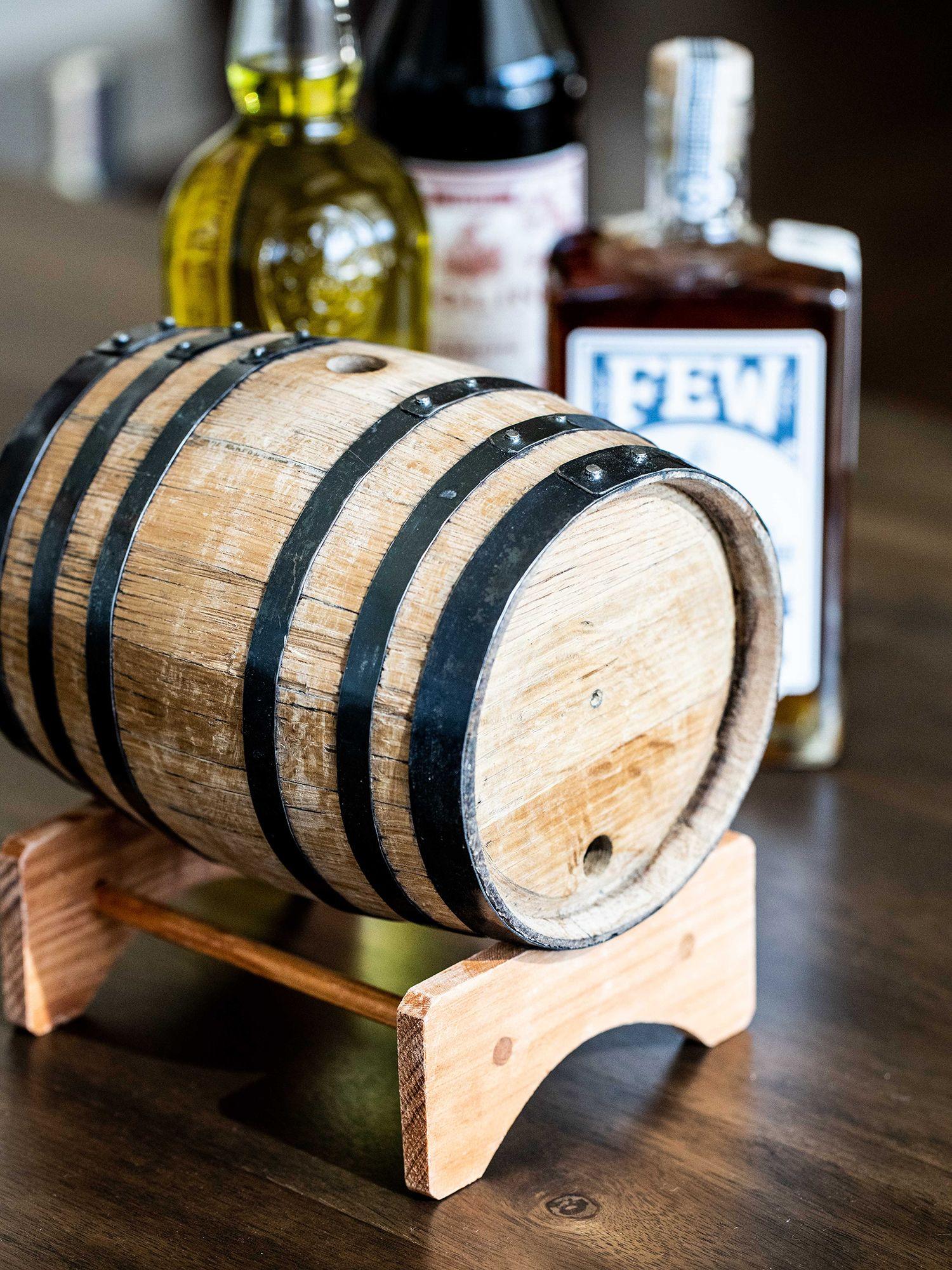How To Make Barrel Aged Cocktails At Home Cocktails Barrel Oak Barrel