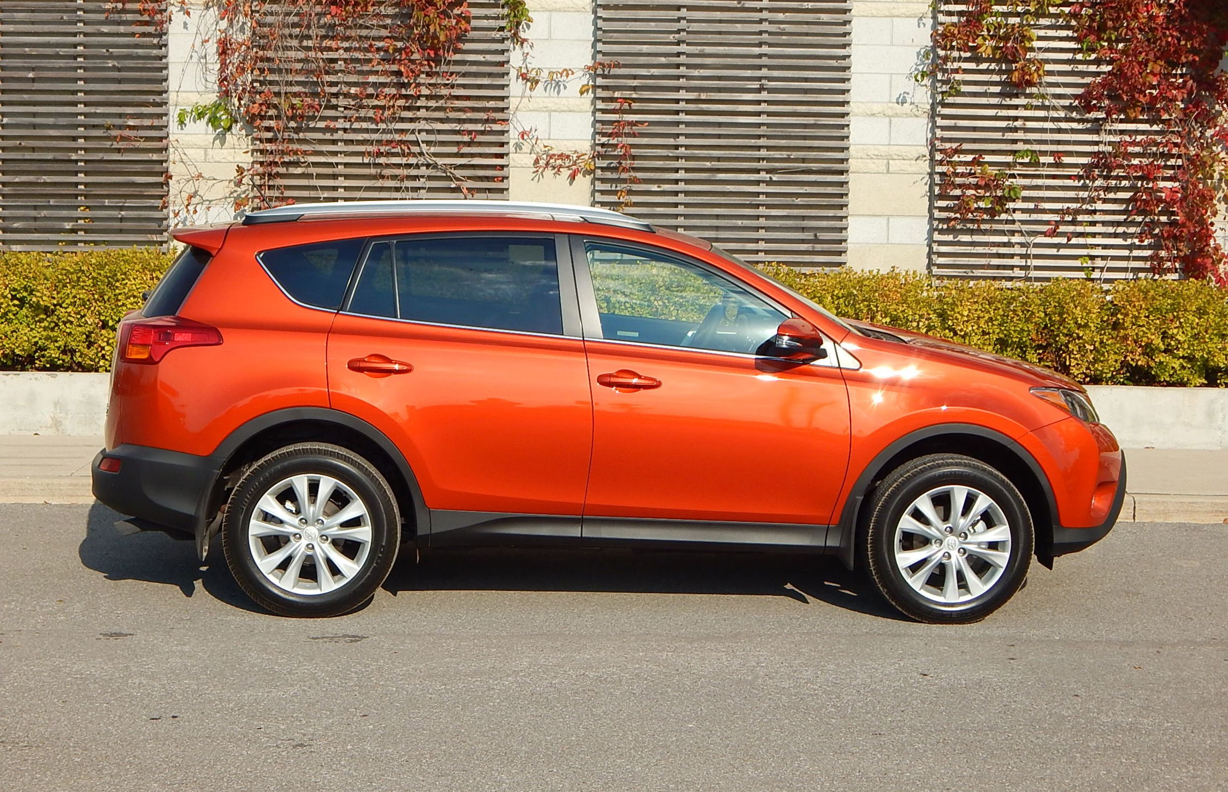 2015 Toyota Rav 4 Inferno Orange | Orange Car Color ...