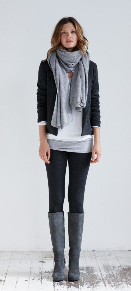 I wish I could look this elegant in the fall and winter (whenever it's cold enough to wear this)!