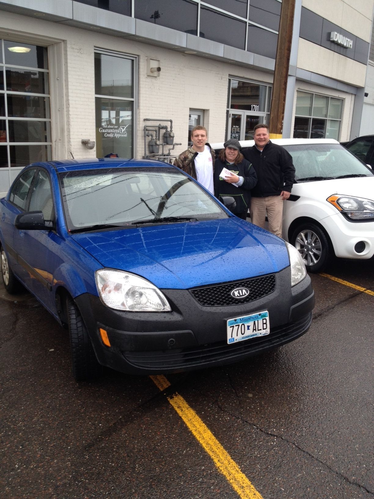 Kia Of Duluth >> In August 2008 Kim Bought A Brand New Kia Rio From Bill Soley At