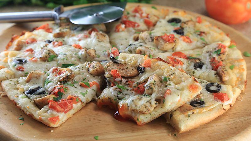 طريقة عمل بيتزا ألفريدو Recipe Recipes Arabic Food Food