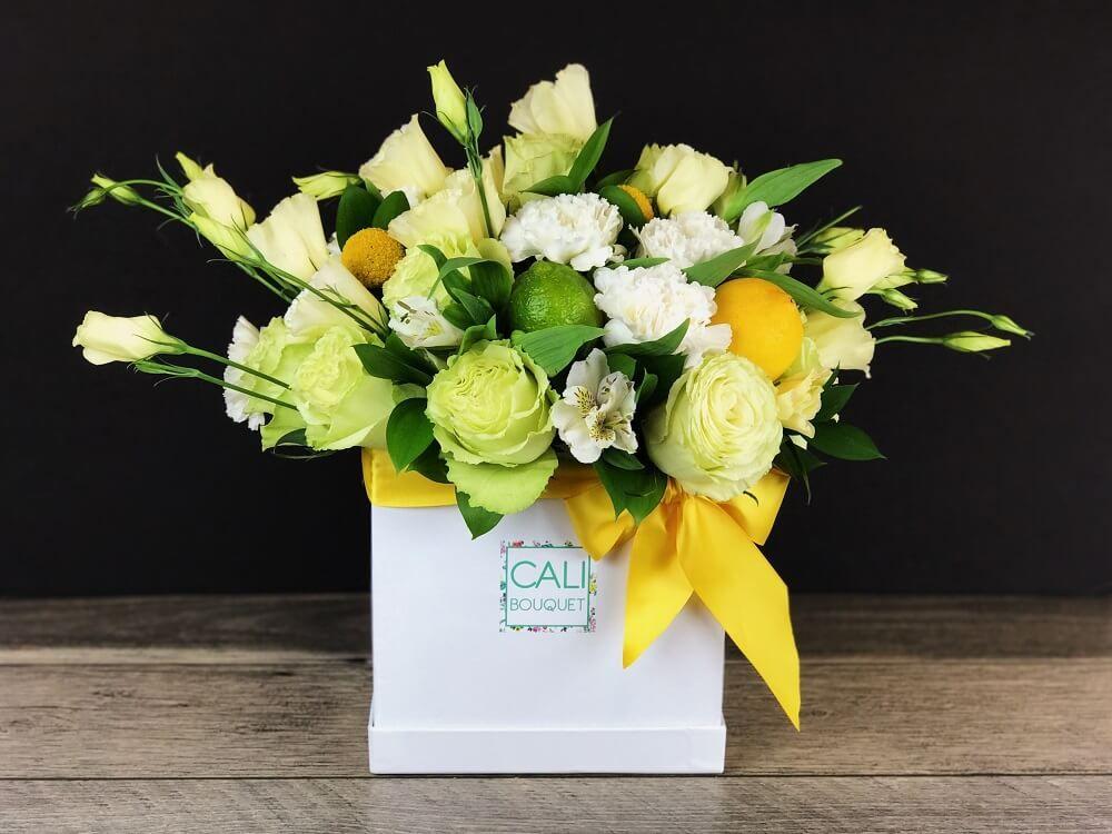 Tiffany Box Cali Bouquet Most Beautiful Flowers Hat Box Flowers Beautiful Flowers