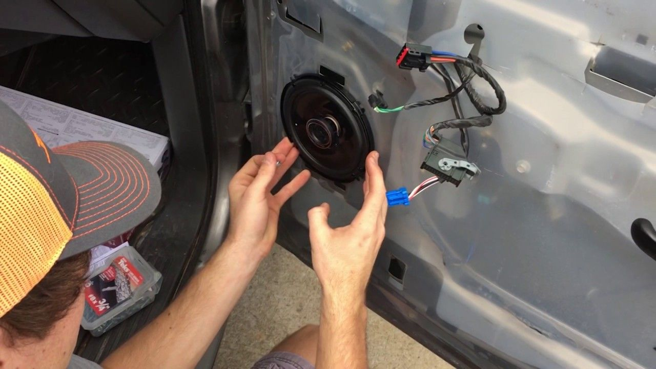 How To Change Front Door Speakers In 2006 Chevy Silverado Without Buyi With Images 2006 Chevy Silverado Chevy Silverado Silverado