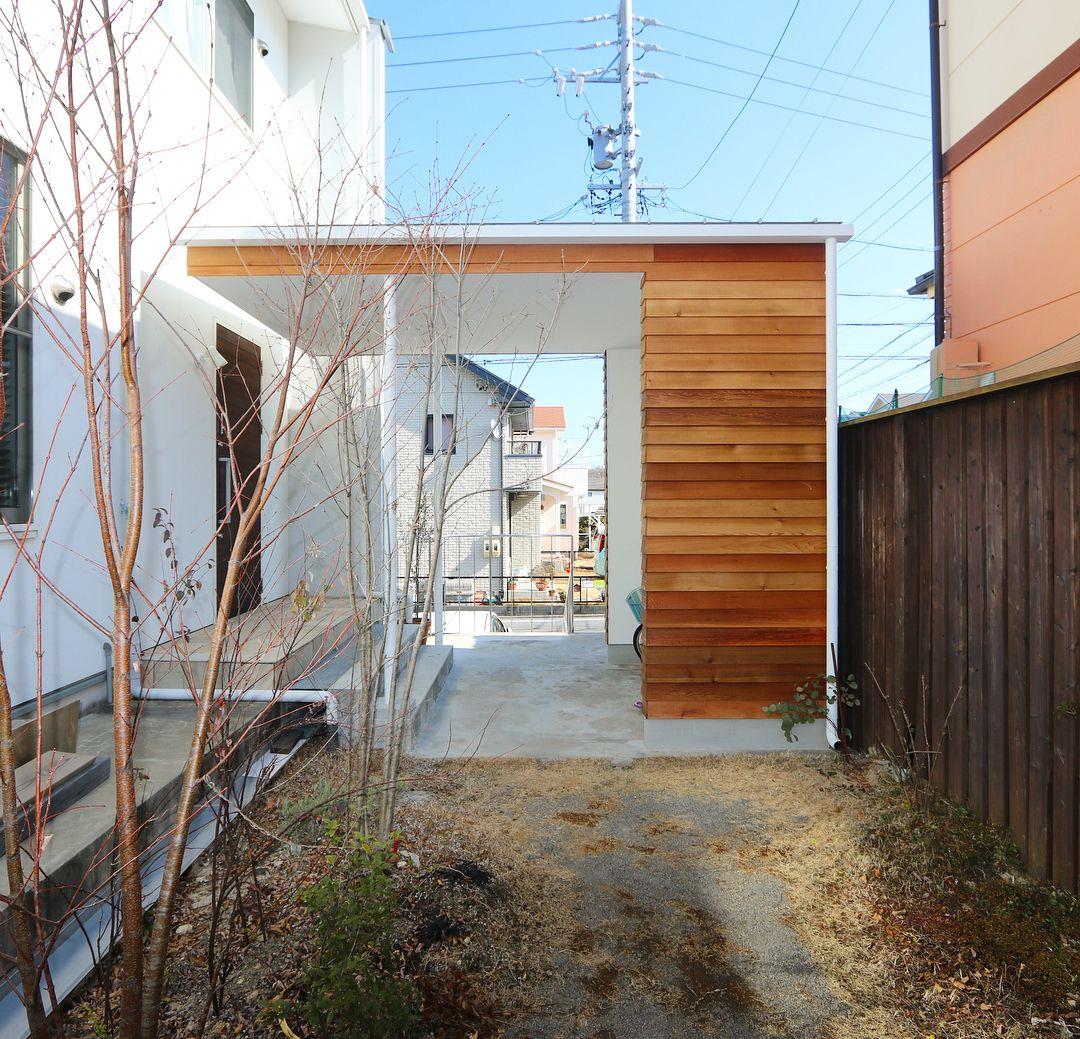 お久しぶりの 竹の山フロート 玄関庇 と 自転車置き場 を