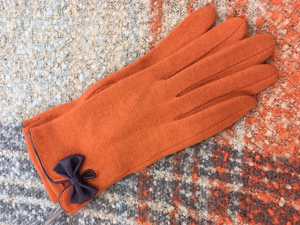 Powder scarf and gloves Aw16