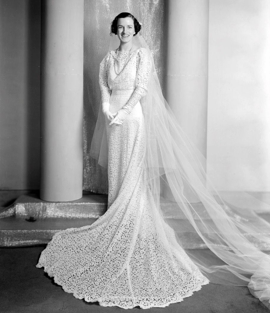 Pin By Elda Tarango On 1930s Wedding Dresses Wedding Dresses 1930s Wedding Dress Dresses