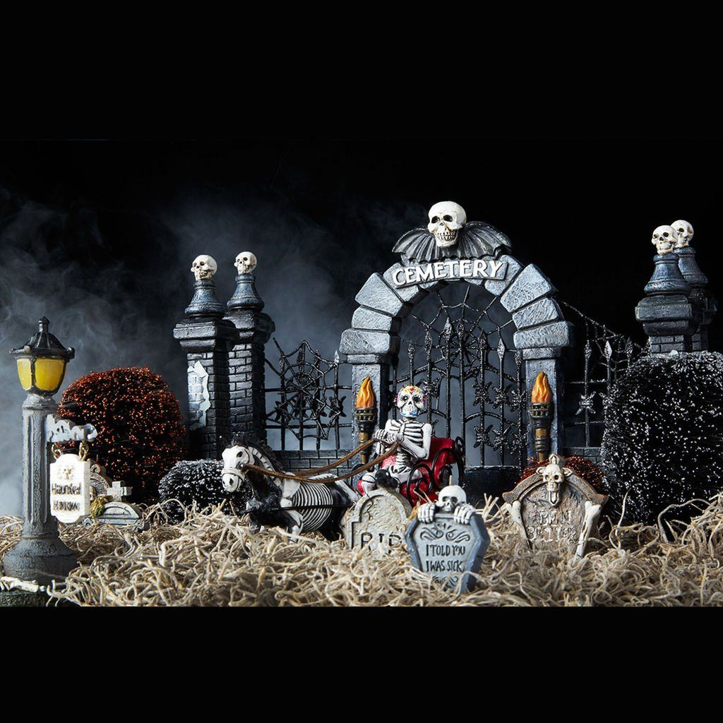 Make This DIY Miniature Halloween Graveyard For Spooky