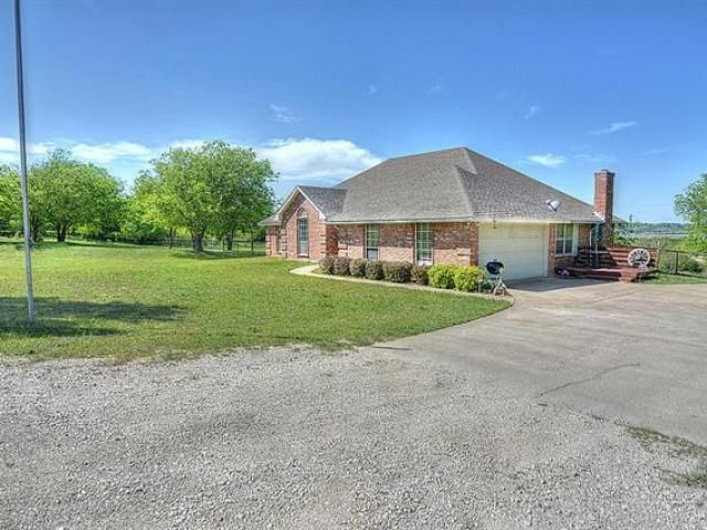 7440 Ben Day Murrin Road Benbrook Property Listing Texas Real Estate Outdoor Structures House Styles