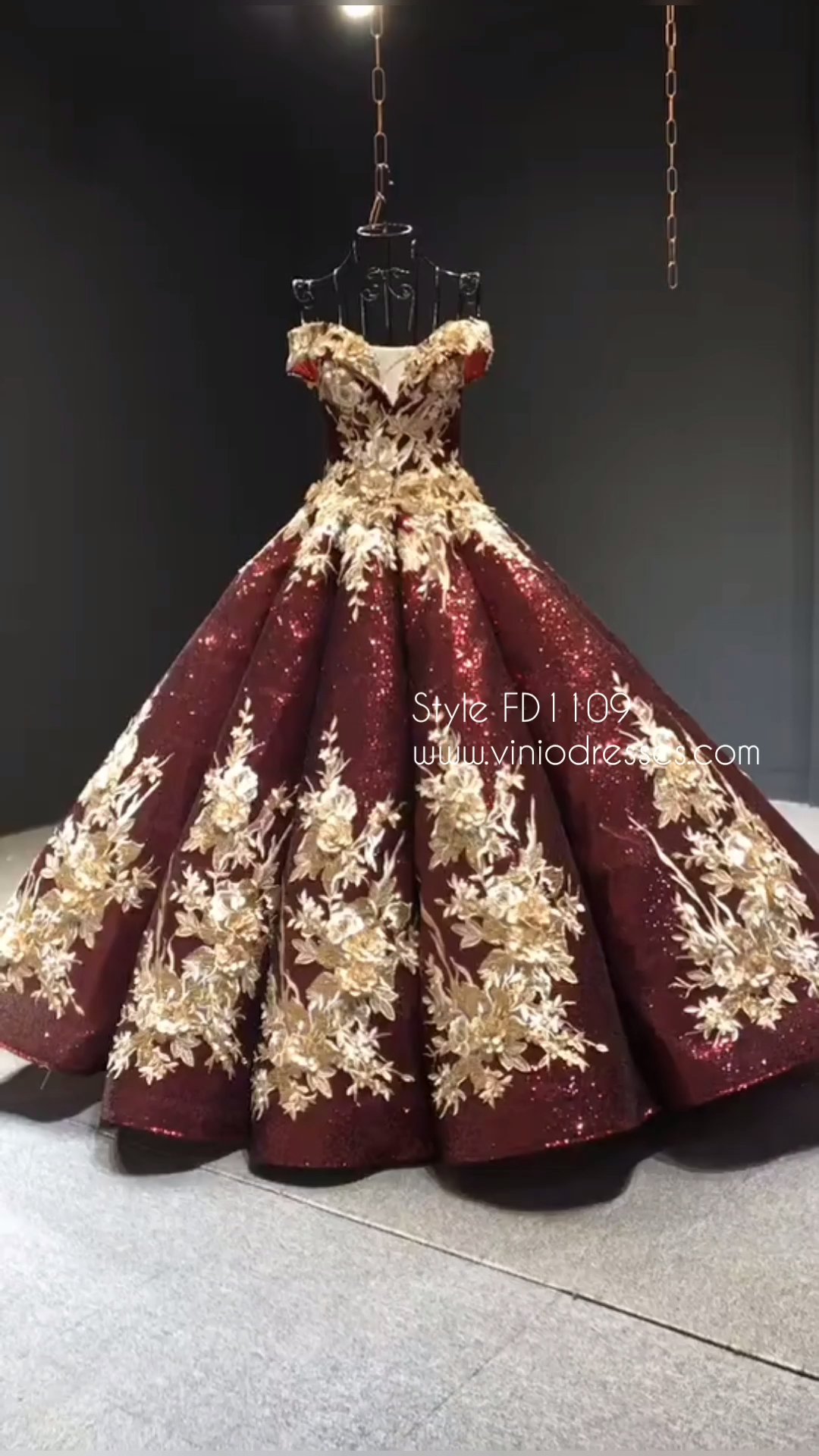 Burgundy & Gold Vintage Princess Ball Gowns Sparkly Long Prom Dresses FD1109