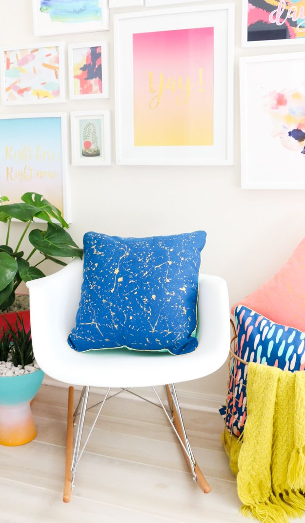 A Kailo Chic Life Diy It Gold Splatter Painted Throw Pillows