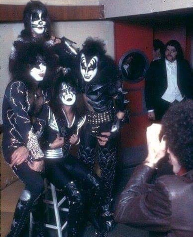 Pin By Robert Bentley On Kiss Kiss Pictures Kiss Group Vintage