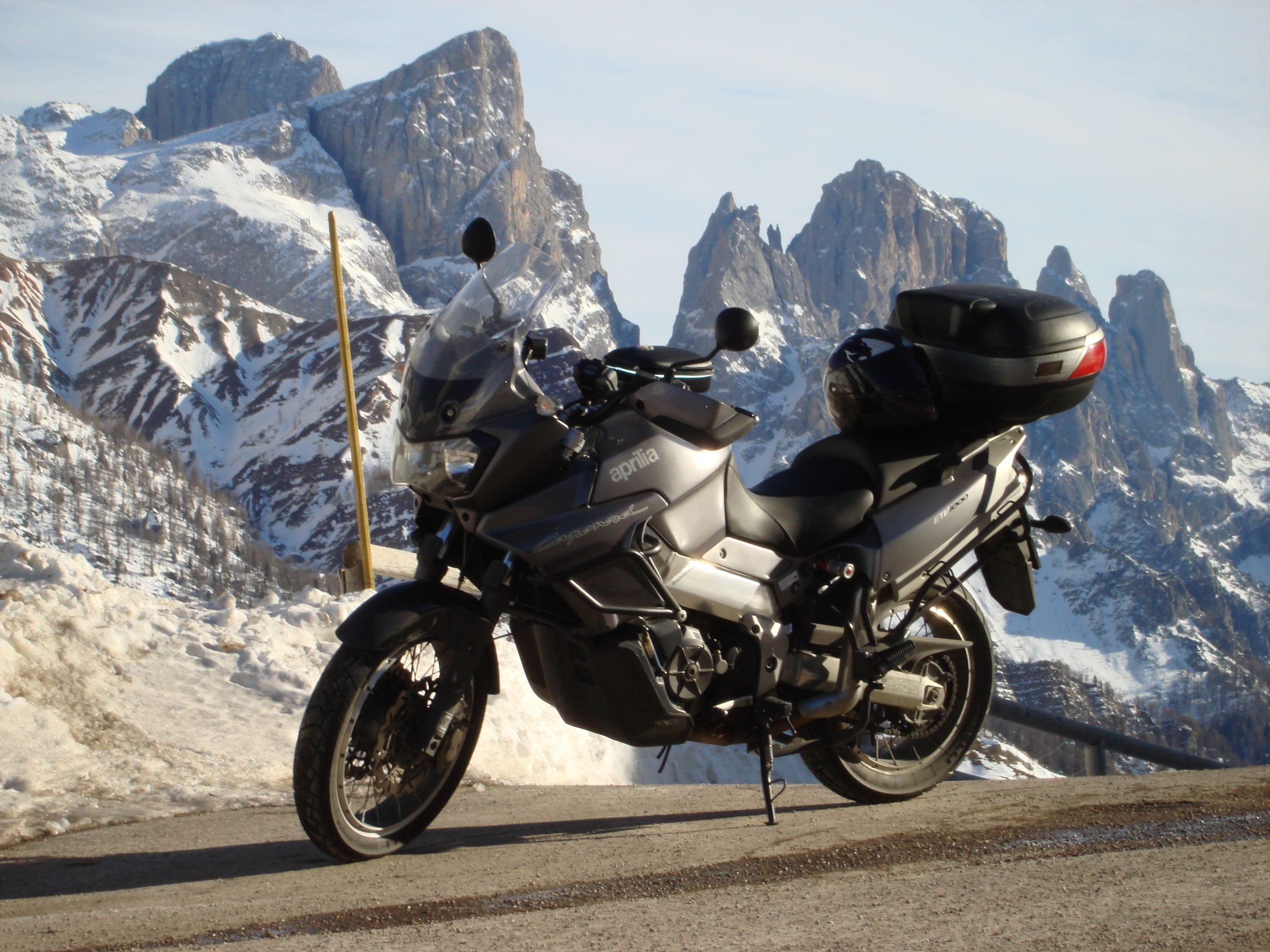 Aprilia Caponord ETV 1000 Amazing Cars and Bikes Wallpapers