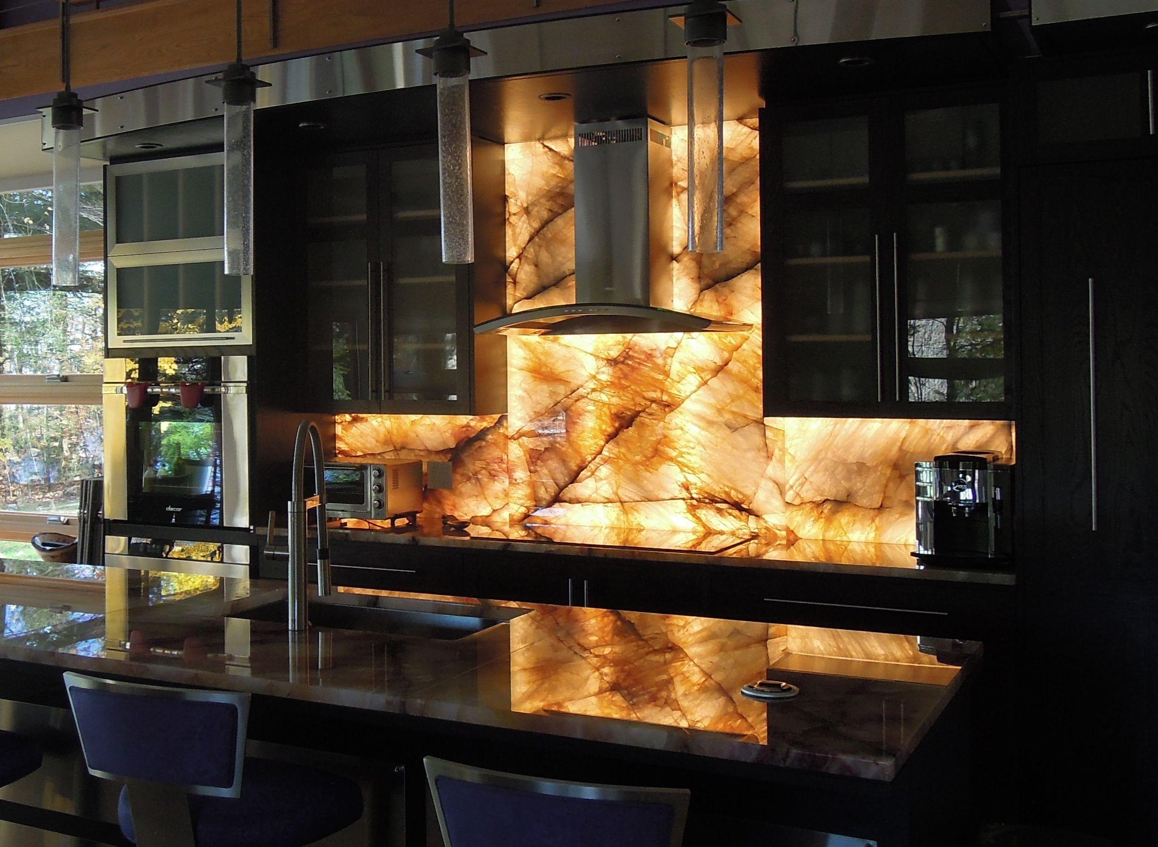 Collection Illuminated Kitchen Backsplash Pictures - Kitchen ... on lighted pot rack kitchen, mirror and light kitchen, lighted cabinet kitchen, can lights in kitchen,