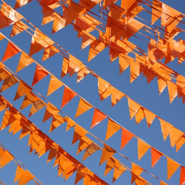 Orange flags, around the house and the street in style for Ko …