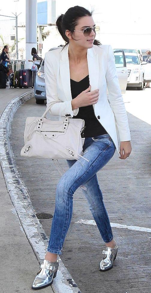Jeans,  White blazer , pink bag + silver boots.