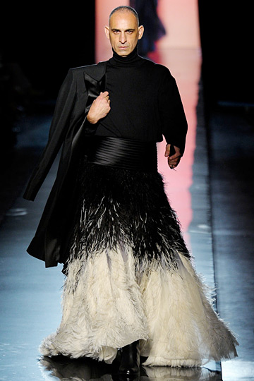 Masculine feathers n 39 s style file pinterest for Haute couture male