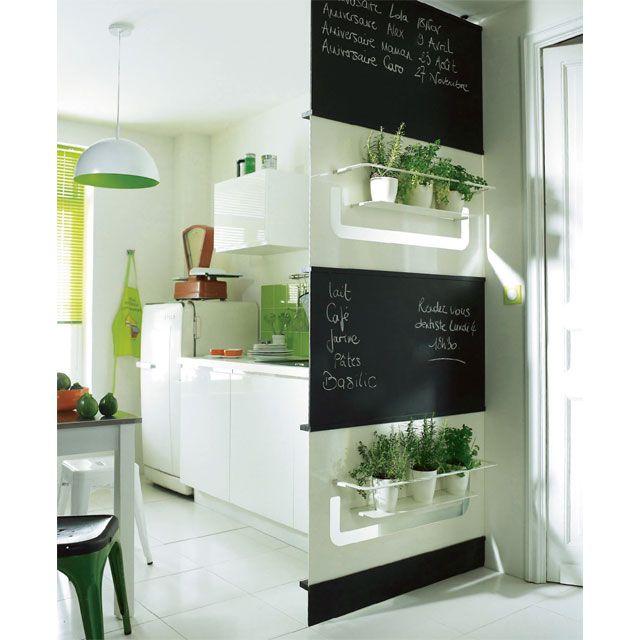 Ca pourrait bien finir dans ma cuisine D (pour cacher le frigo - comment accrocher un meuble de cuisine au mur