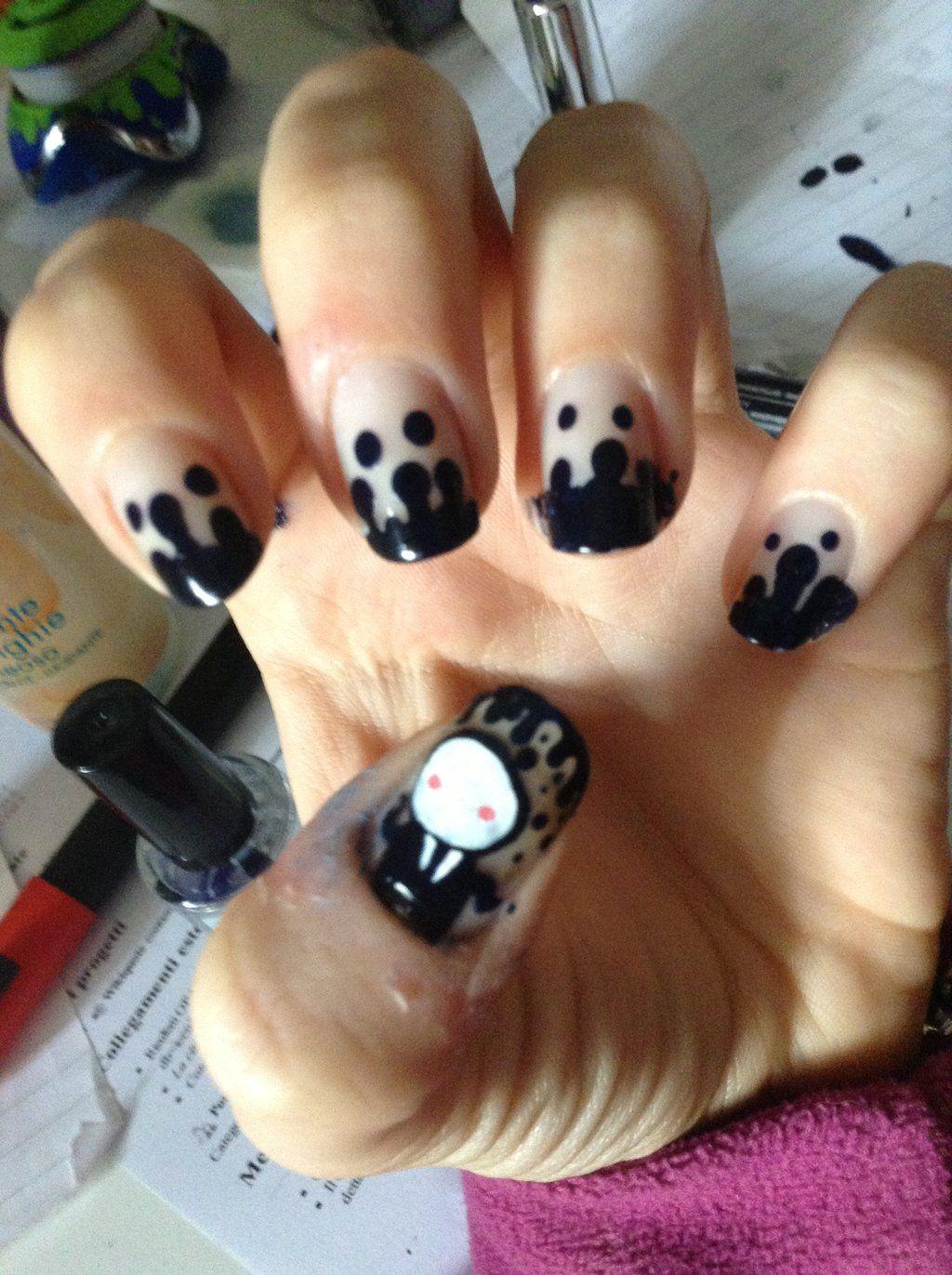 Slenderman Nail Art by BeelzyButh   Creepypasta   Pinterest