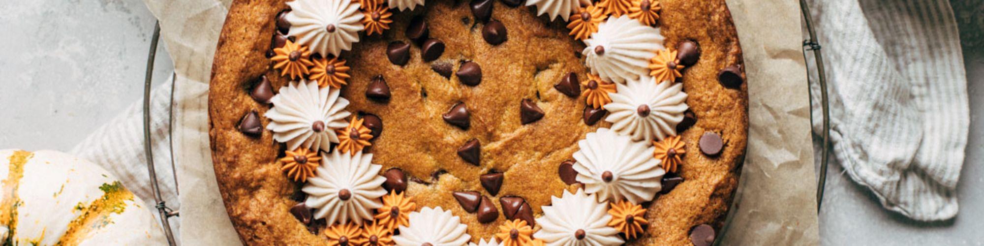 Pumpkin Chocolate Chip Cookie Cake C H Sugar Recipe In 2020 Pumpkin Chocolate Chip Cookies Pumpkin Chocolate Chips Pumpkin Chocolate
