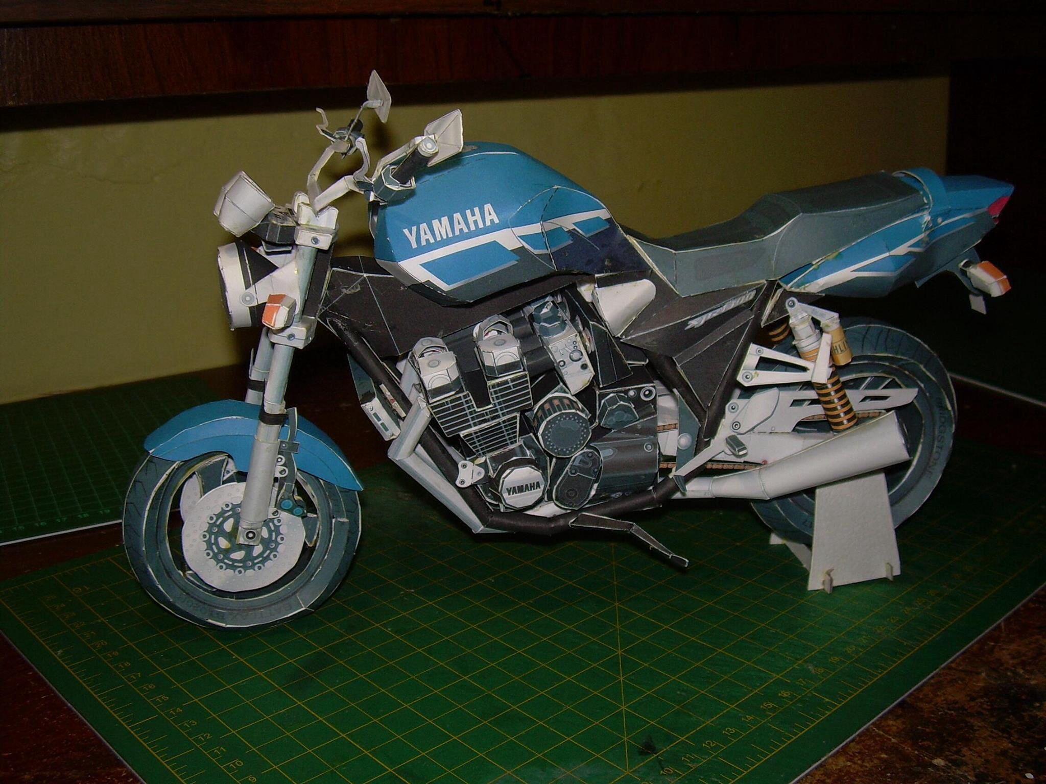 Yamaha xjr1300 modelos de papel papercraft pinterest yamaha xjr1300 jeuxipadfo Choice Image