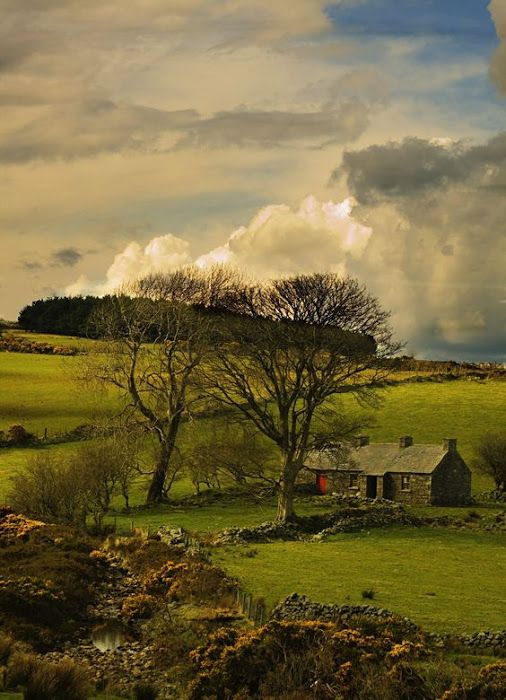 Abandoned Farm In Mourne Mountains Co Down Ireland Relax With These Backyard Landscaping Ideas And Landscape Design Rel Ireland Landscape Places Scenery