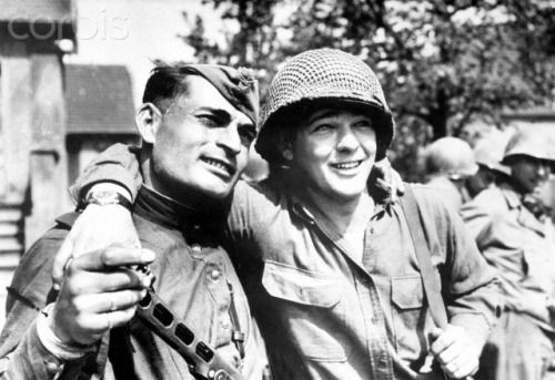 A Soviet and an American soldier, Elbe River, 1945.