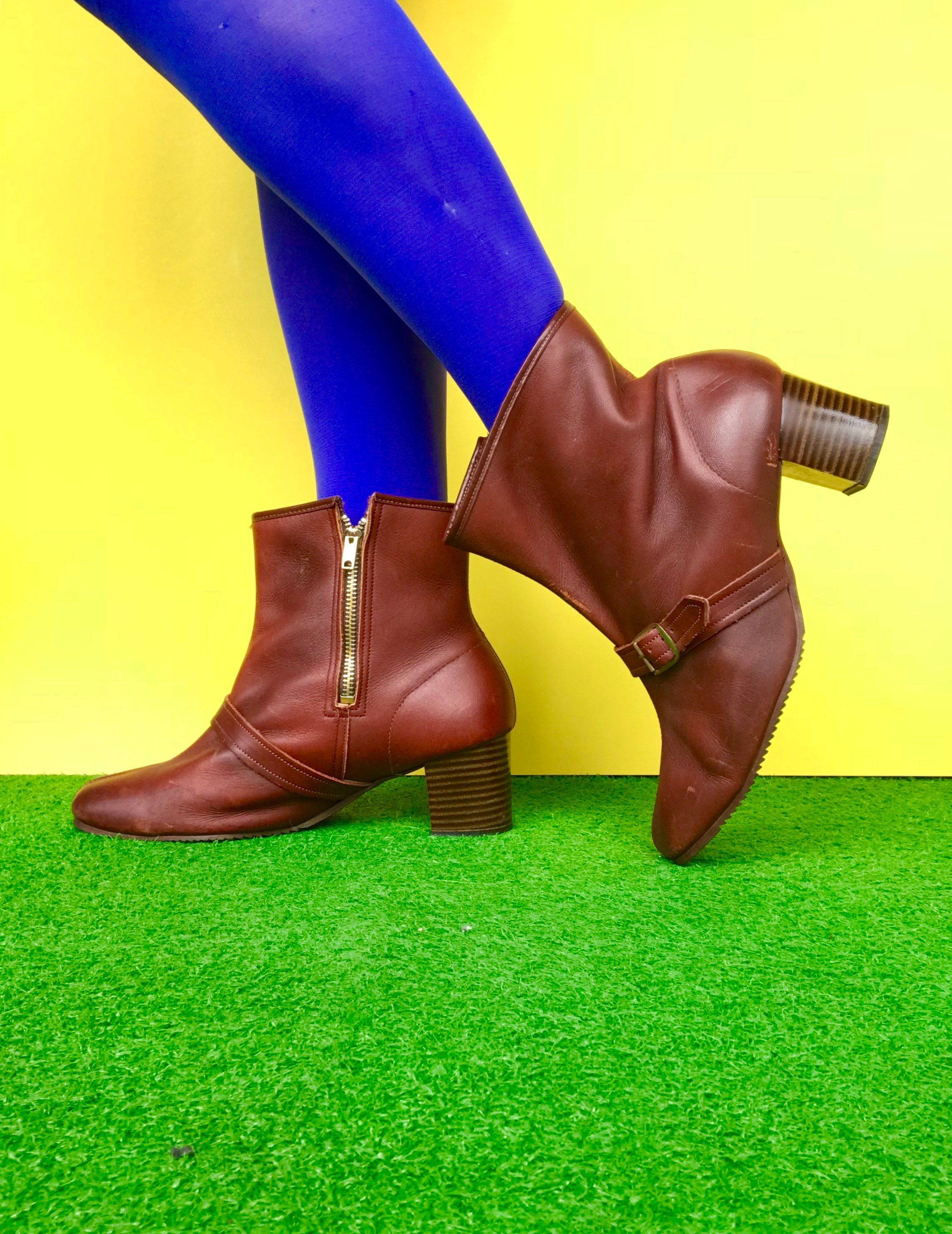 ca534db179fba Mod 1960 70s ankle booties vintage 60s brown leather front buckle ...