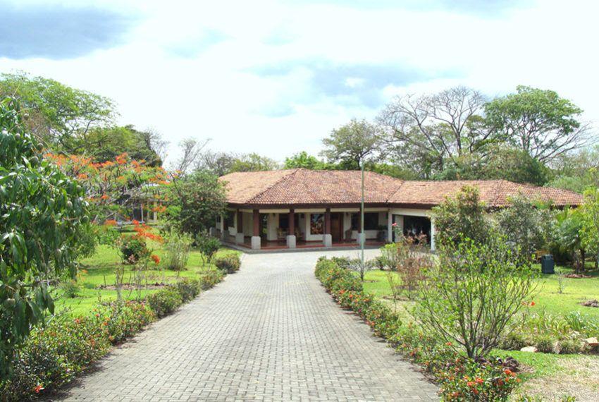 Pin De Habitat And Home Solutions S A En Casas Independientes En 2019 Casas Casa Sencillas Y Casas De Un Piso