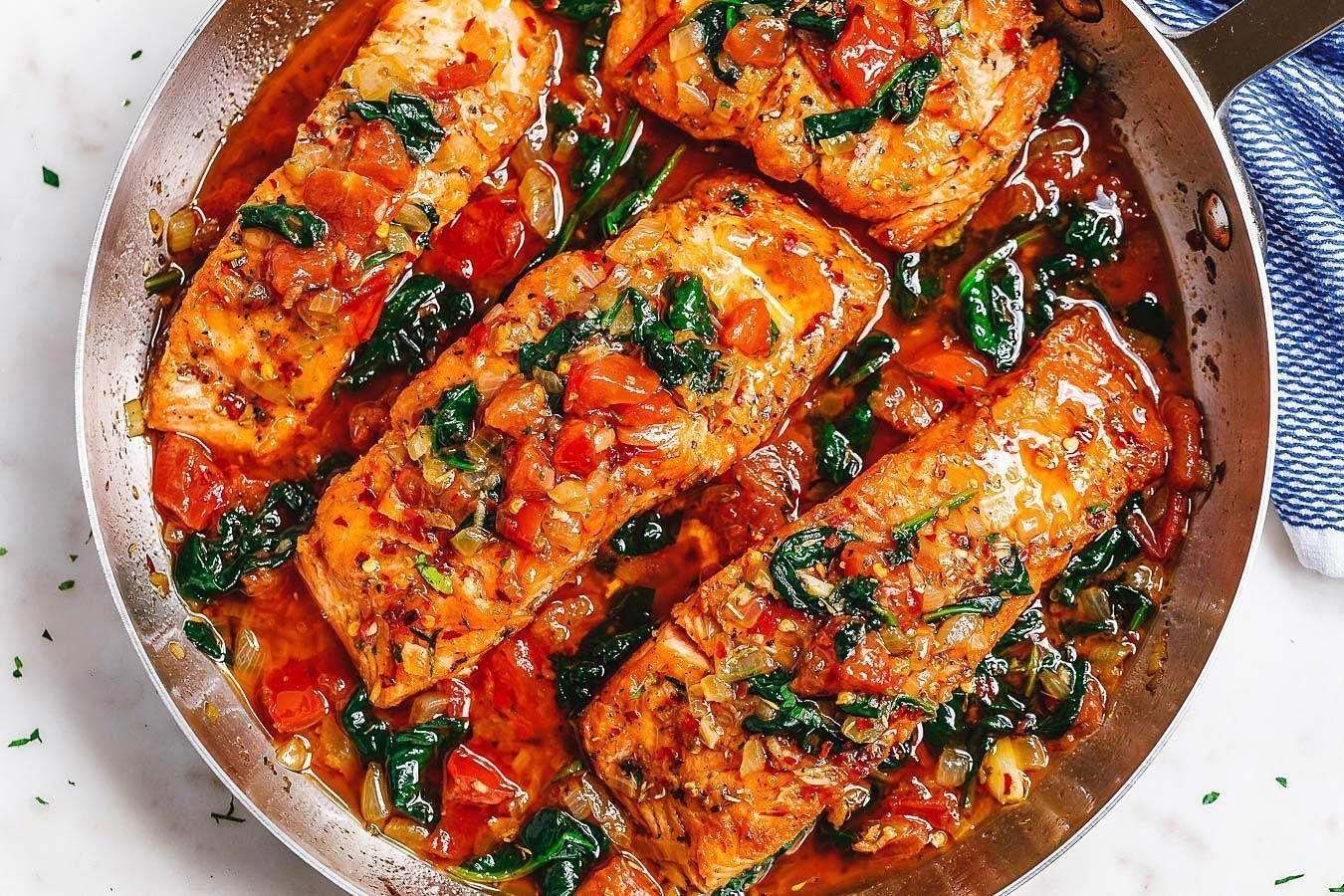 Tuscan Garlic Butter Salmon – A restaurant-quality pan-seared salmon recipe in...,  #Butter #... #searedsalmonrecipes