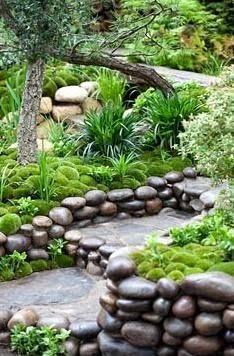 Moss mounds & decorative pebble