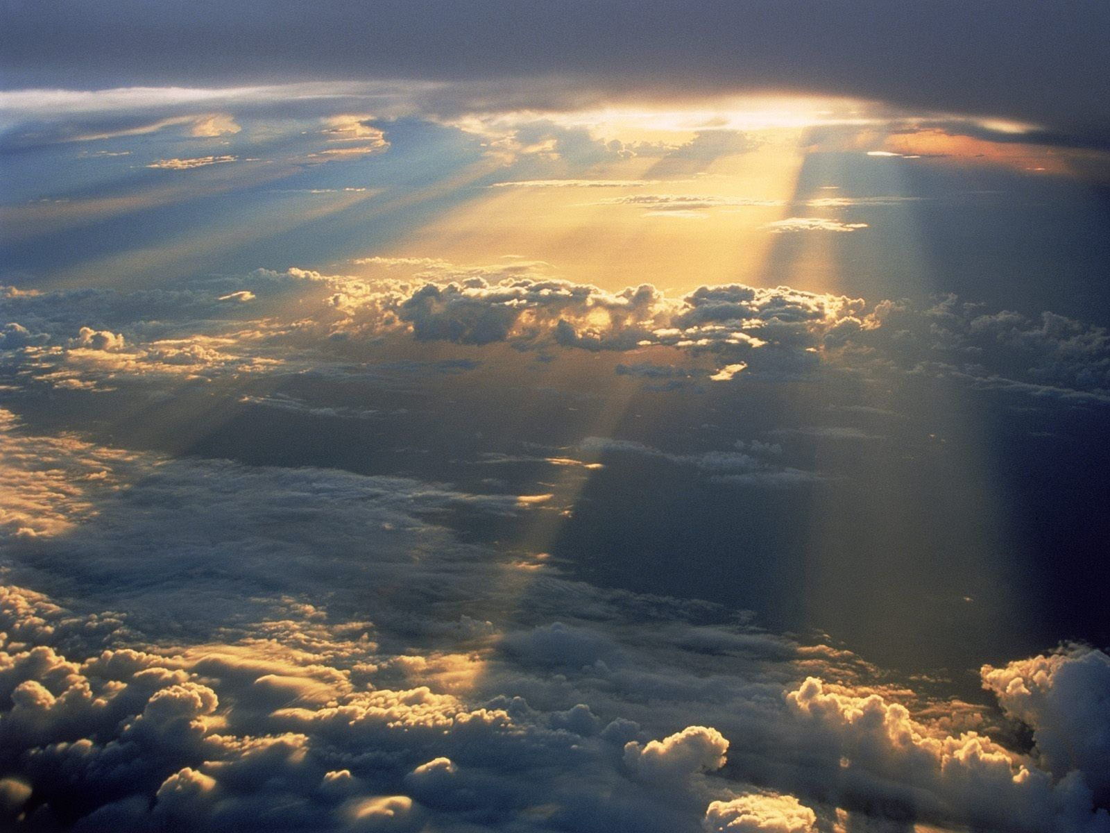 Rays Of Light Clouds Sky And Clouds Heaven Wallpaper