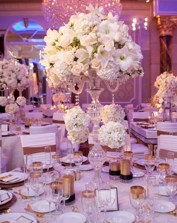 White Wedding Flowers For Your Table Decor Http Simpleweddingstuff Blo