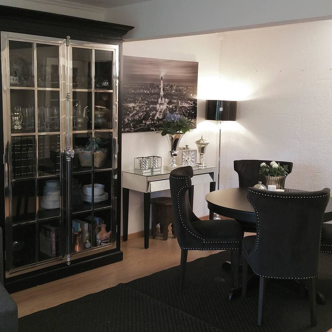 For en fantastisk stue! Med Manhattan Lux skap fra #classicliving  #Repost @lady_ley_home  #inspiringhomes