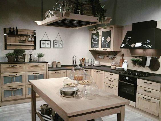 AUREA kuchynská linka - posledný trend ktorá sa veľmi uchytil - svetlý dub doplnený o antracitove detaily - www.studio-it.sk