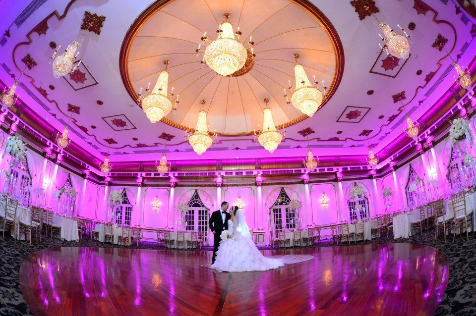 Jaw Dropping Ballroom At The Crystal Plaza Of Livingston